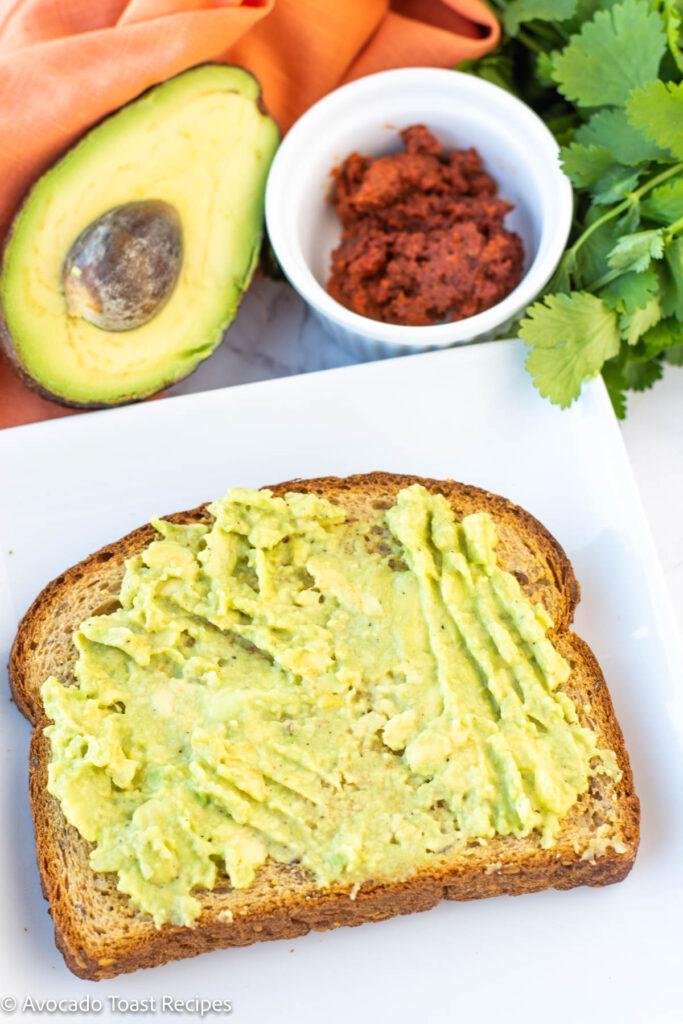 how to make avocado toast with chorizo