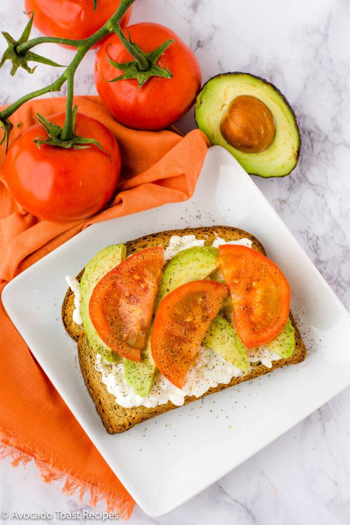 Avocado toast with cottage cheese